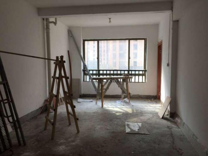万诚中央公园 3室2厅84㎡