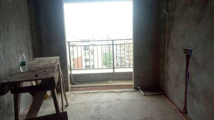 双峰小学旁极地盛世名都 两室70年公寓 装修了一半