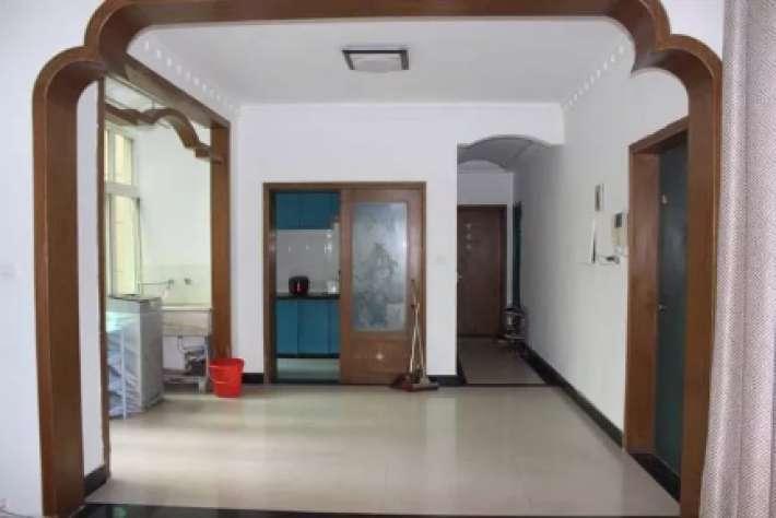 华强公寓2栋2单元202