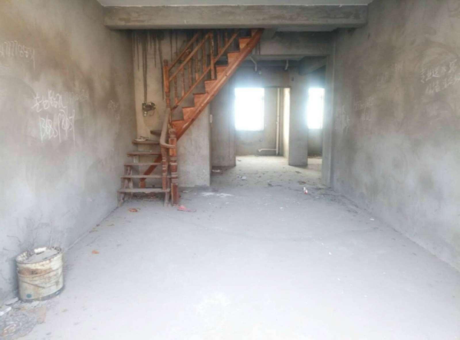 三里花园 5室2厅149.9㎡
