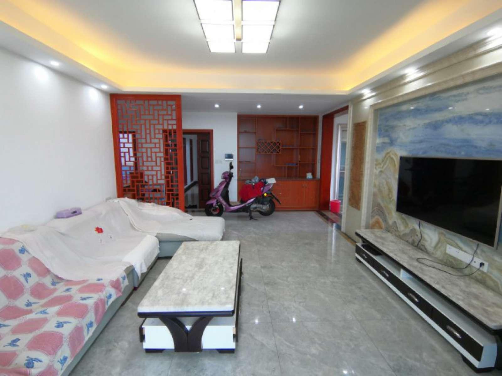 新湖庐山国际 3室2厅135㎡