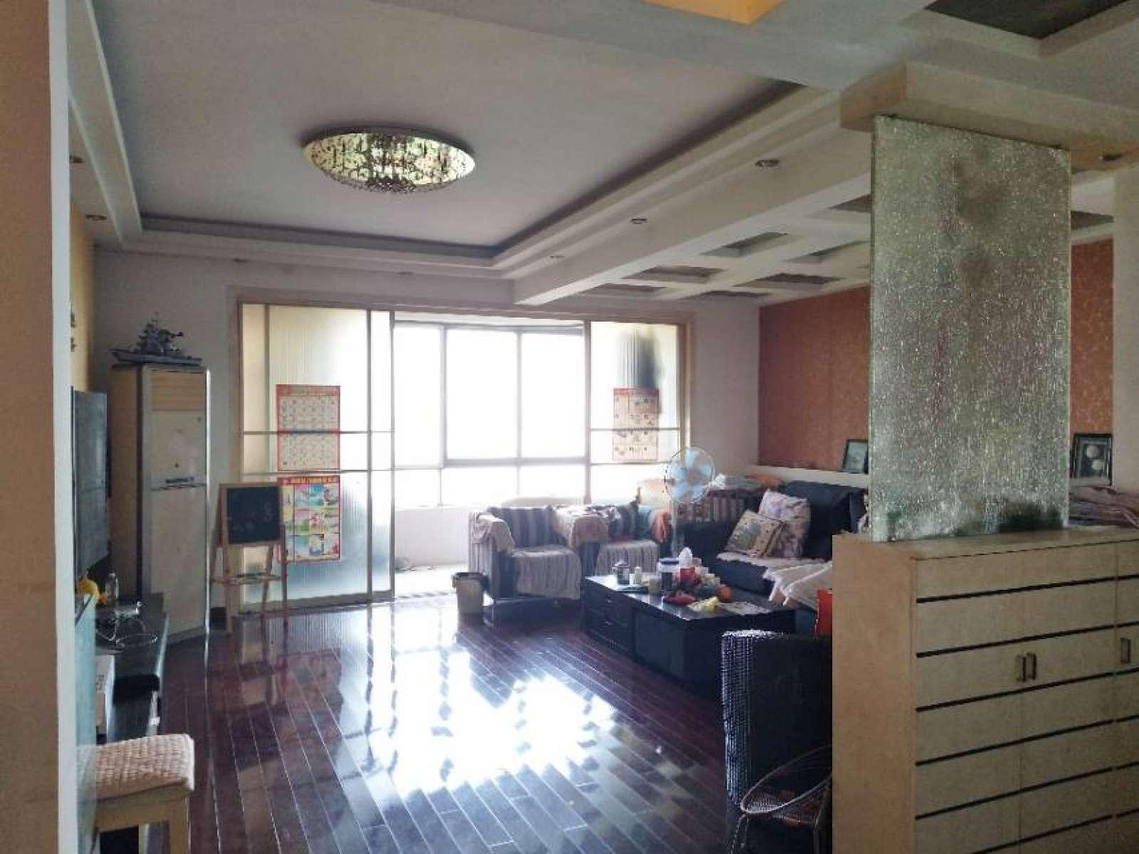滨江国际 3室2厅205㎡