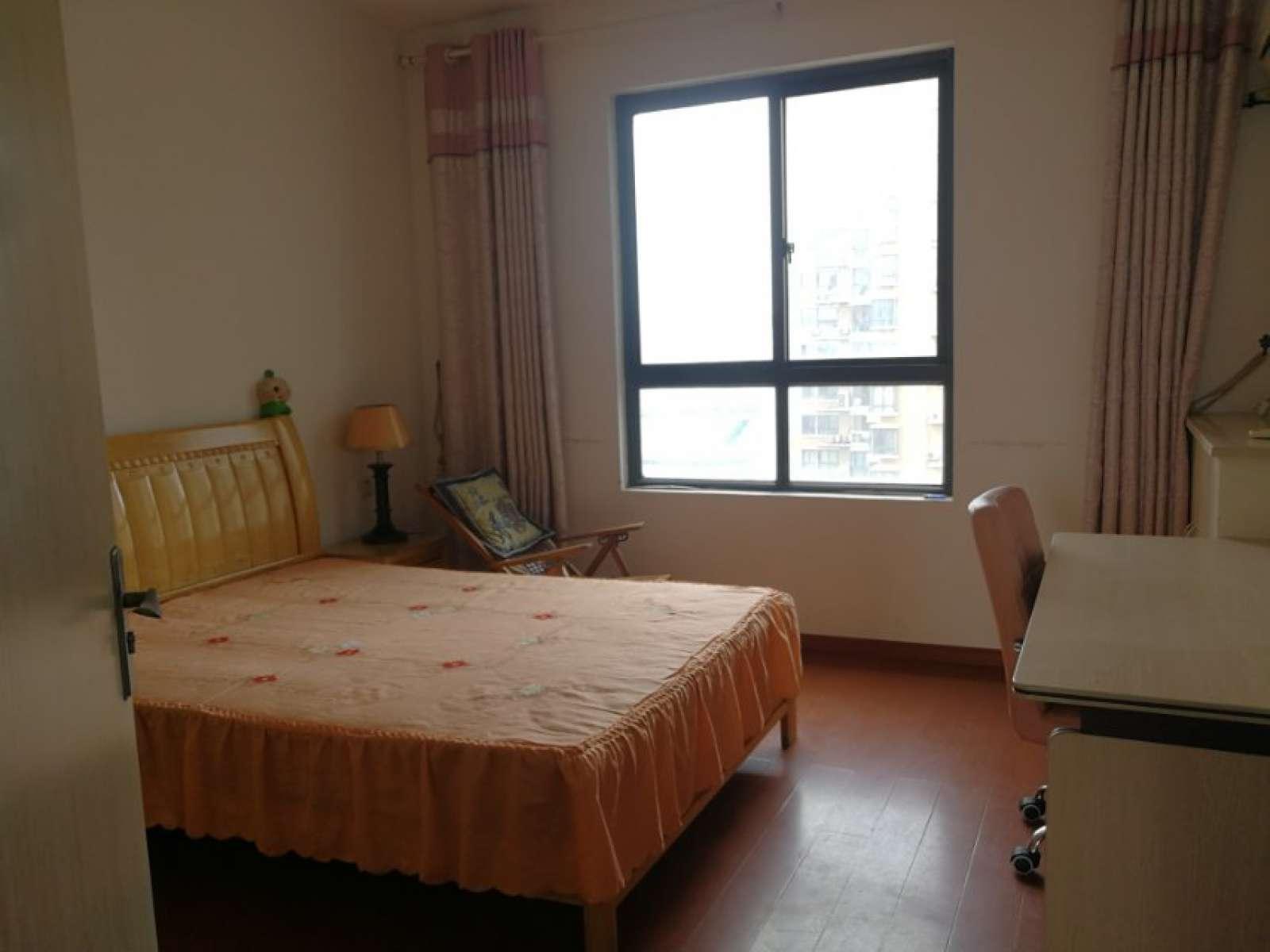 丽景湾 3室2厅137㎡