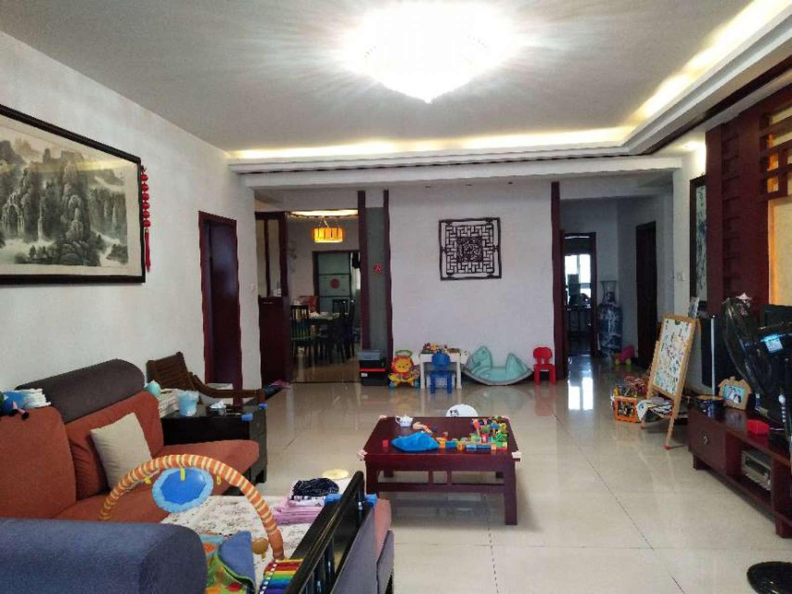 梅园小区 3室2厅169㎡