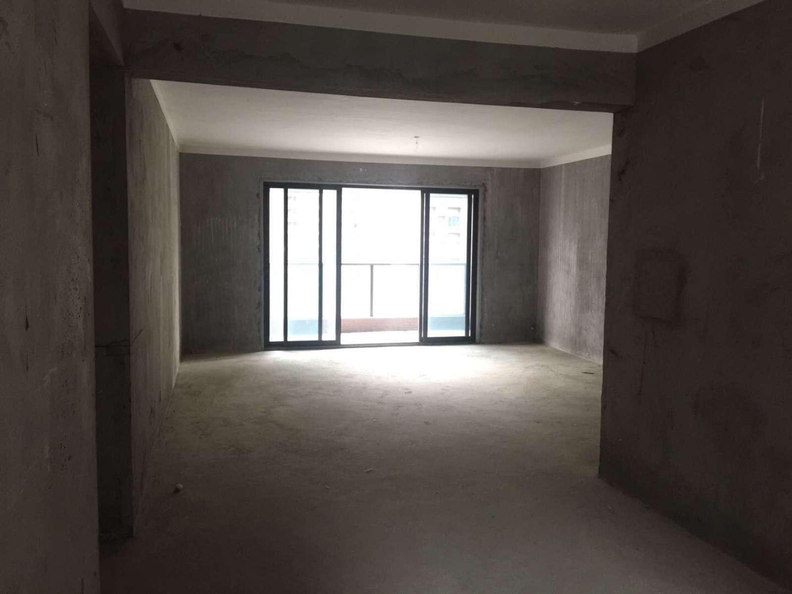 联泰万泰城 毛坯四房 楼层高 南北通透 看房有钥匙!