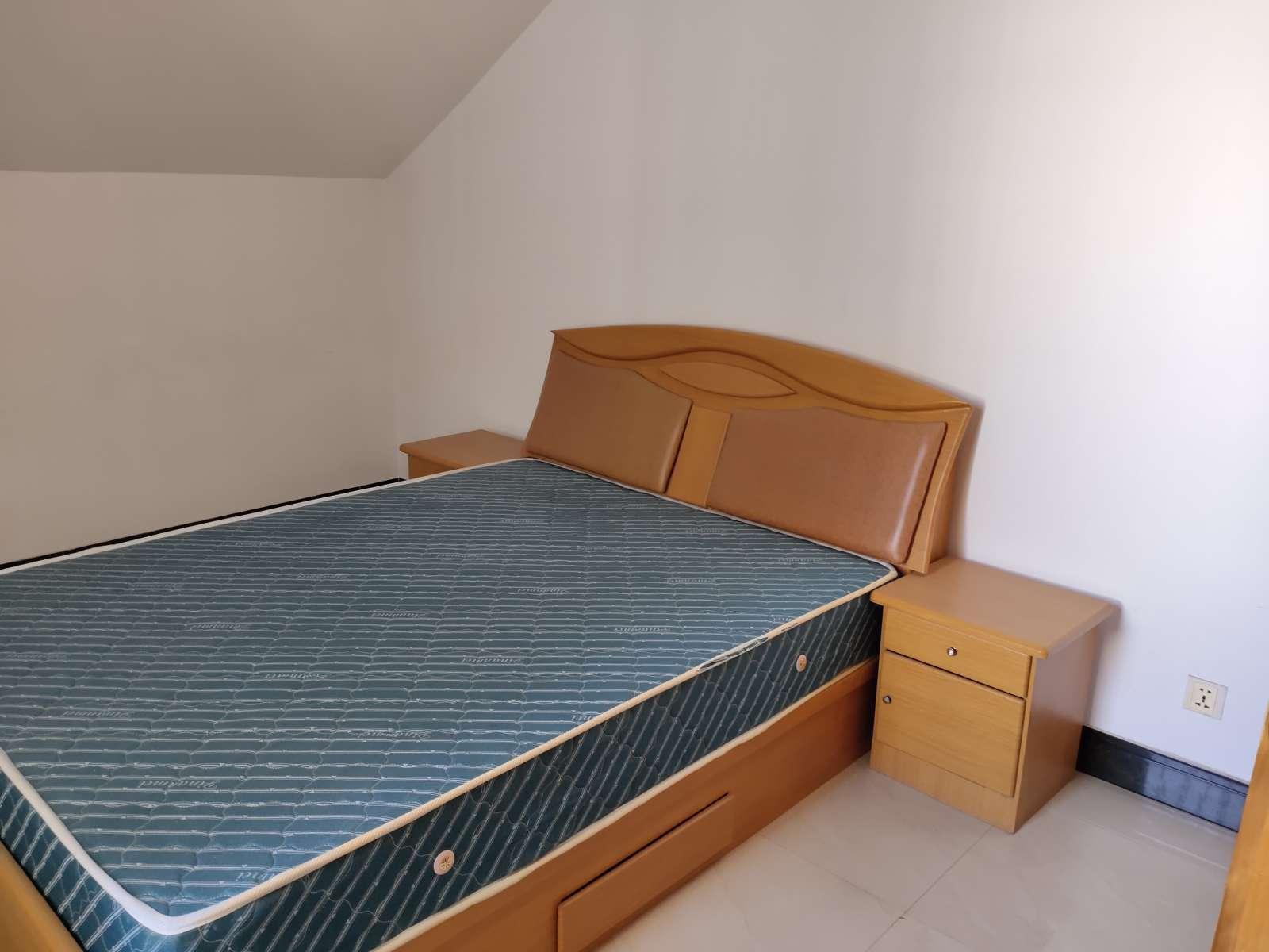 庐峰小区北区 3室2厅132㎡