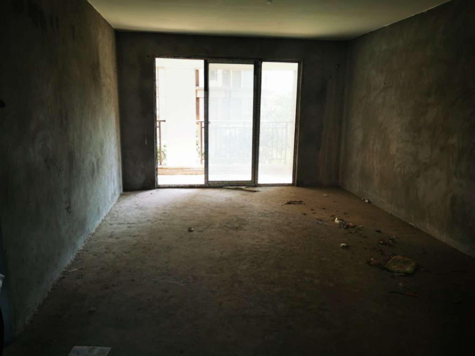 庐山苑 4室2厅143㎡
